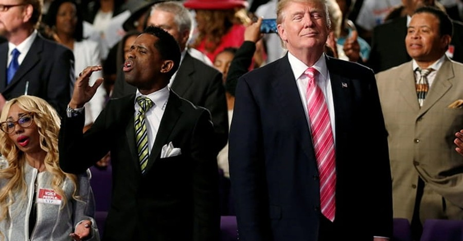 Survey: Evangelical Leaders Really Don't Want to Endorse Politicians