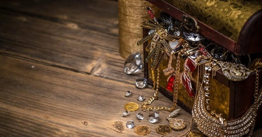 Colorado Pastor Dies in Search of Hidden Treasure