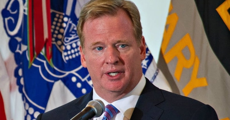 NFL Commissioner Roger Goodell Weighs in on Anthem Controversy, Urges Players to 'Honor our Flag'