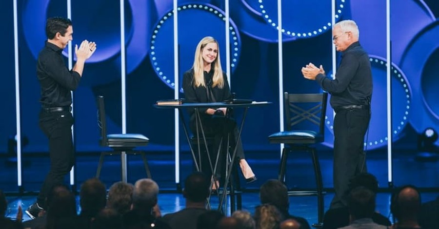 Male and Female Pastors to Co-Lead Willow Creek Megachurch