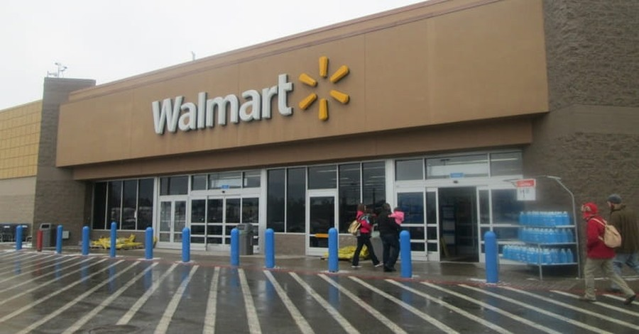 Colorado: 3 Dead after Shooting at Denver Area Walmart