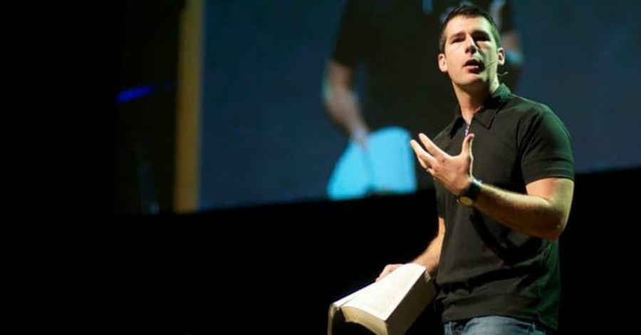Megachurch Pastor Andy Savage is Accused of Sexual Assault
