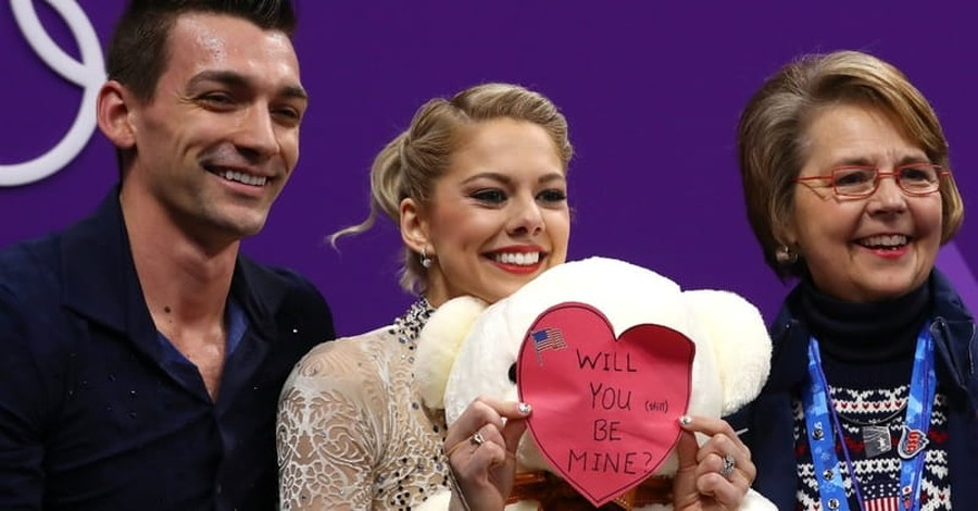 US Figure Skating Couple Dedicates Performance to Victims of Florida High School Shooting