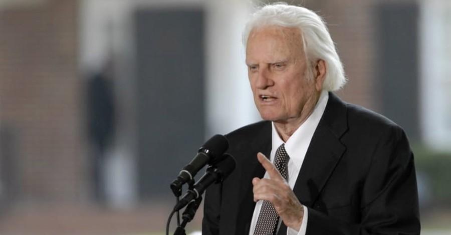 Famed Evangelist the Rev. Billy Graham Dies at Age 99