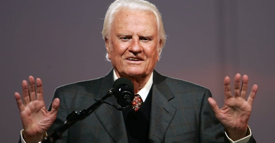 Over 60,000 Sign Petition to Create National Holiday Honoring Billy Graham