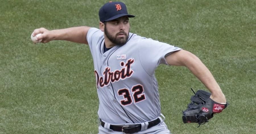 He's a Major-League Pitcher — and a Plumber — Whose Faith Helps Keep Him Focused