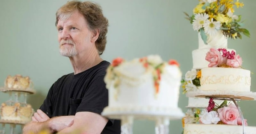Justices Hand Down 7-2 Ruling for Christian Baker in Wedding Cake Case