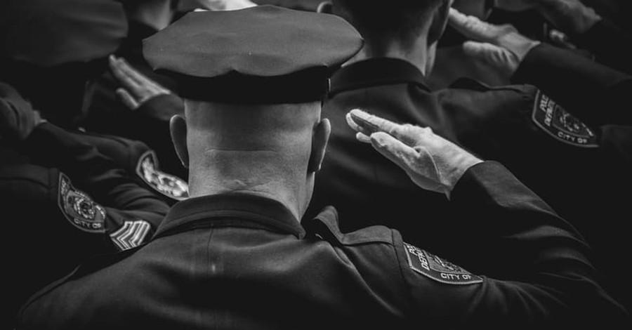 Fireman Turned Policeman Dies at 29