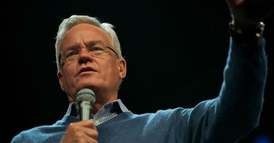 """Bill Hybels and the Illusion of """"Private"""" Sin"""