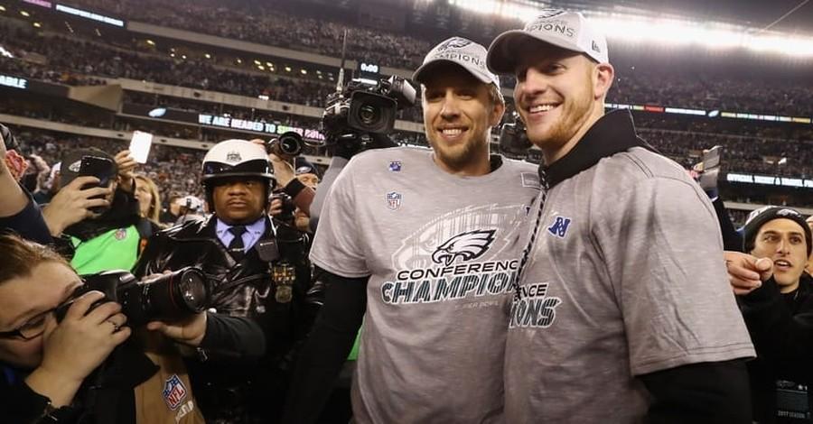 Philadelphia Eagles' Carson Wentz Prays for Nick Foles in the Locker Room