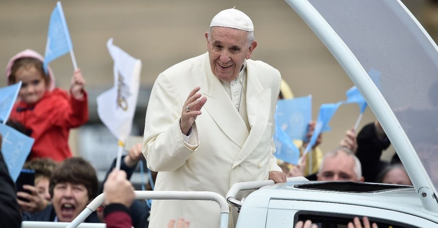 Vatican Defends Pope amid Cover-Up Accusations