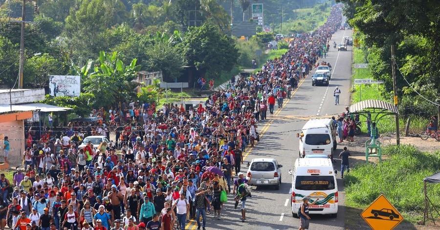 Migrant Caravan Grows to 7,200, Makes Its Way Toward U.S.