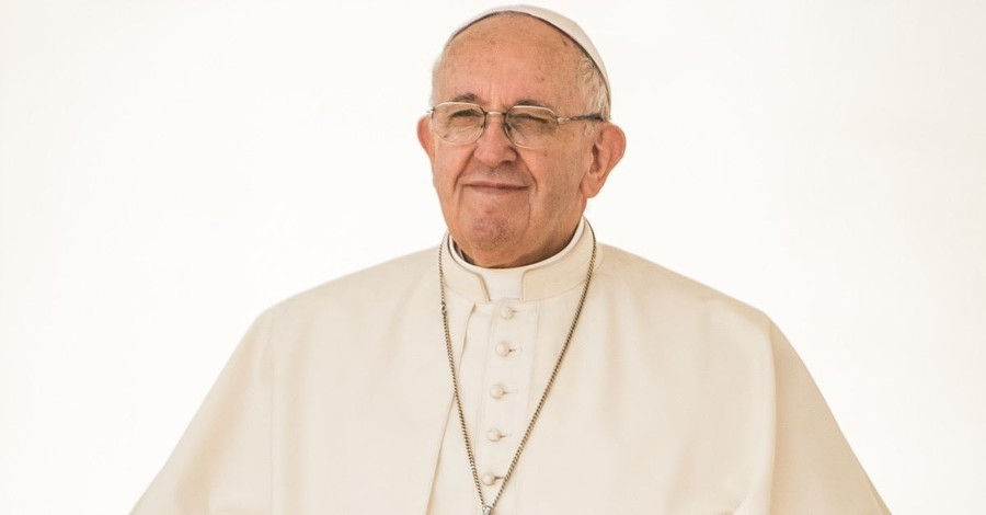"""Pope Francis Says Their Is """"No Room"""" for Homosexuality in Priesthood"""