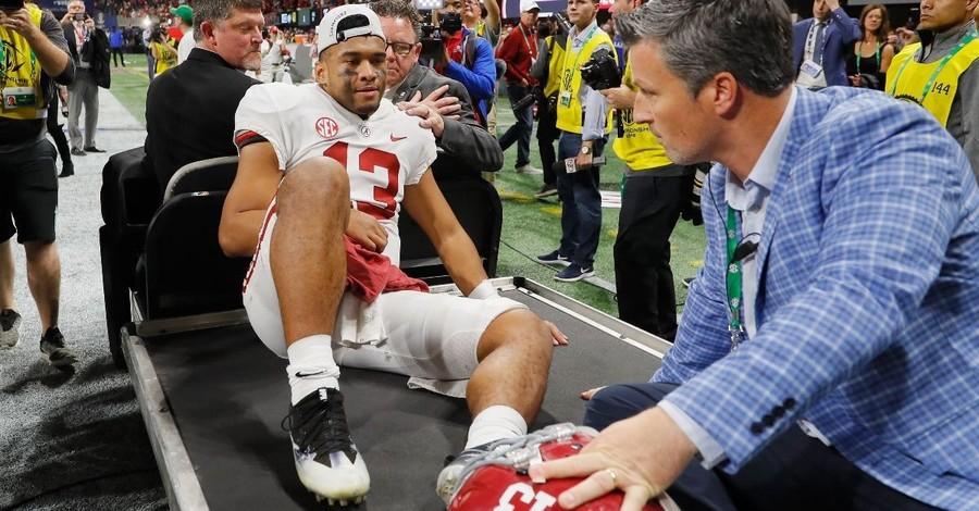 Former NFL MVP Shaun Alexander Prays For Injured Alabama Qurterback Tua Tagovailoa