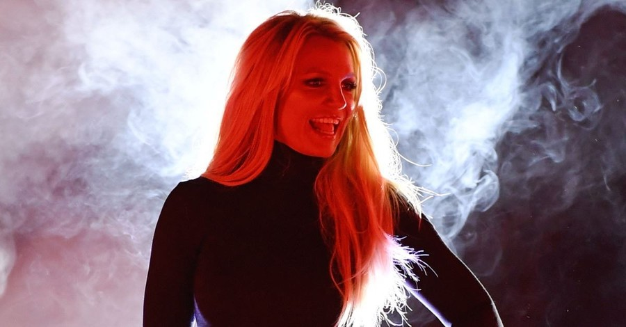 Pop Singer Britney Spears Shares a Bible Verse with Her Followers on Instagram