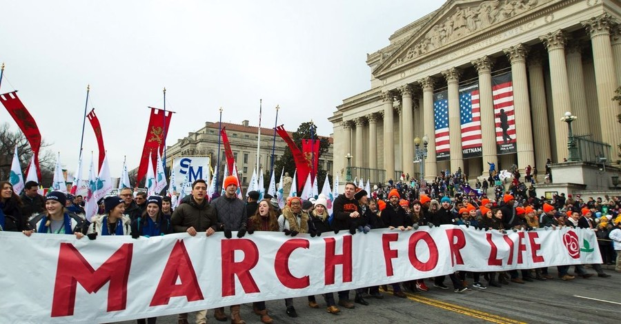 At March for Life, Crowd Cheers for Anti-Abortion Gains — and Trump