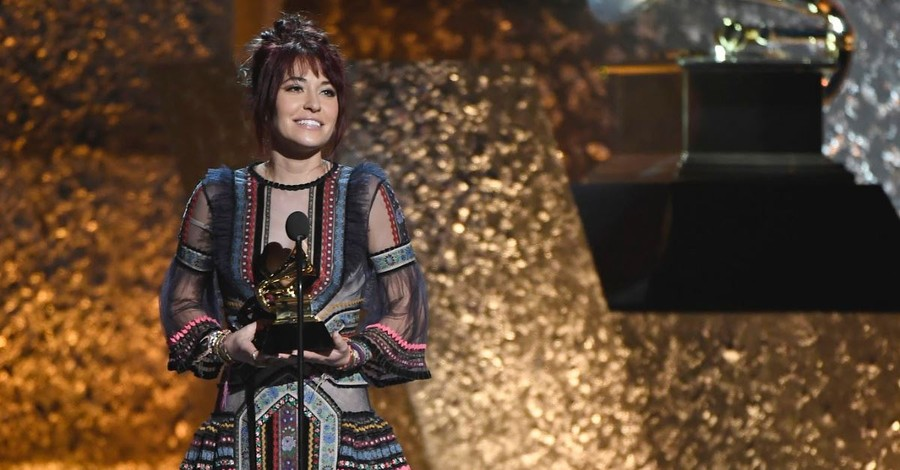 'God, Your Love Is Better': Lauren Daigle Shares How God's Love Helps Her Through Her Anxiety