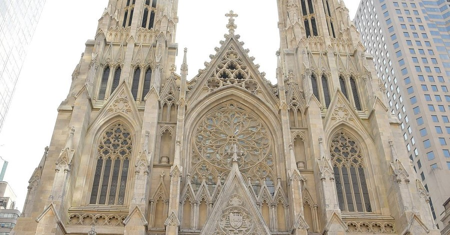 Man Arrested after Attempting to Enter New York's St. Patrick's Cathedral with Gas Cans and Lighters