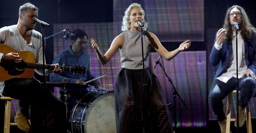 Hillsong United Sings a Message of Hope on <em>Good Morning America</em>