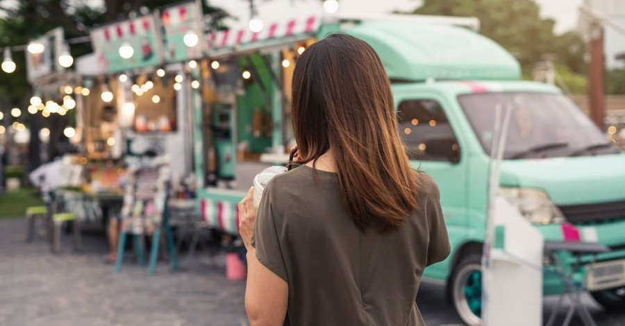 Two Kentucky Students Open Food Truck to Feed Those in Need in Their Community