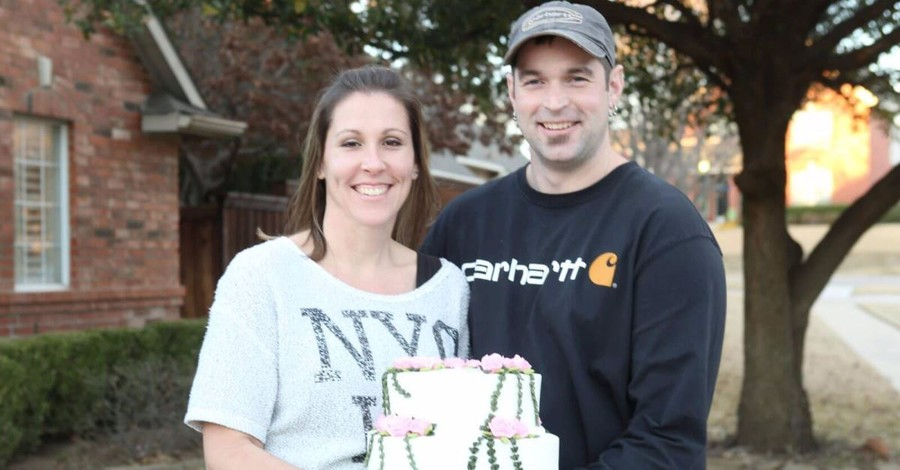 Supreme Court Hands Christian Bakers Win in Same-Sex Case, Vacates Lower Court
