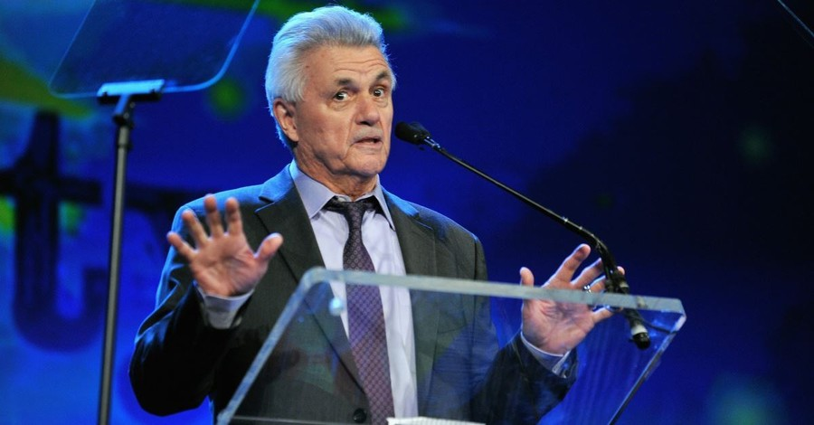 John Irving's Abortion Arguments: The Moral Relativism of 'Cider House Rules'