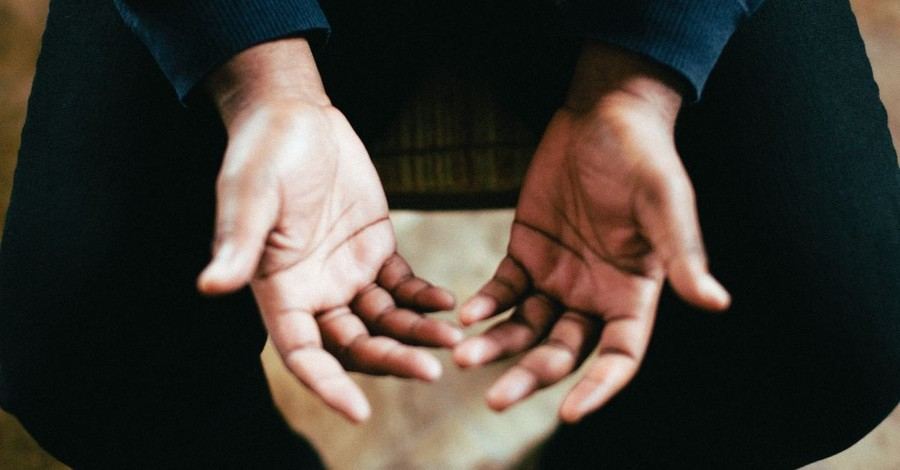 Atheists Can Be Banned from Delivering Invocation Prayers, Appeals Court Rules