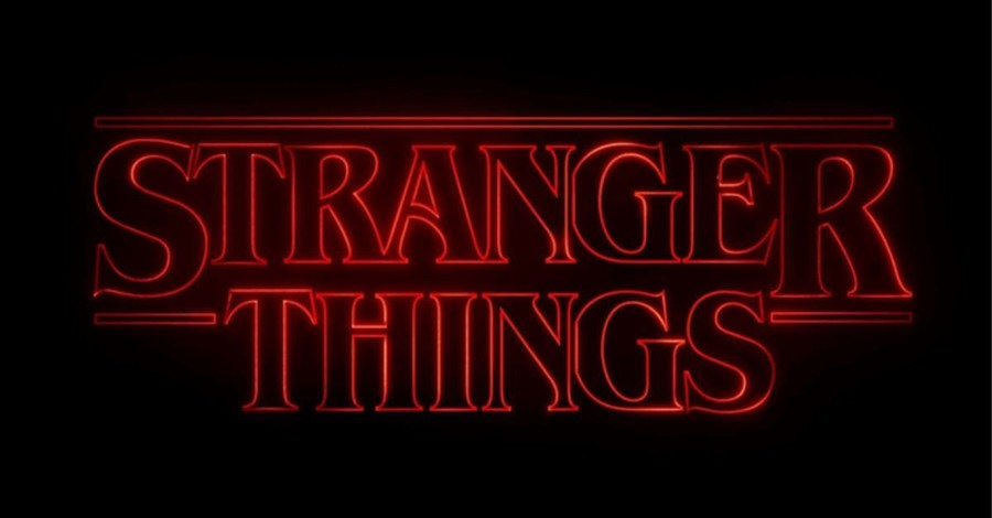 The Strange Thing about <em>Stranger Things 3</em>: Too Much 2019 in 1985