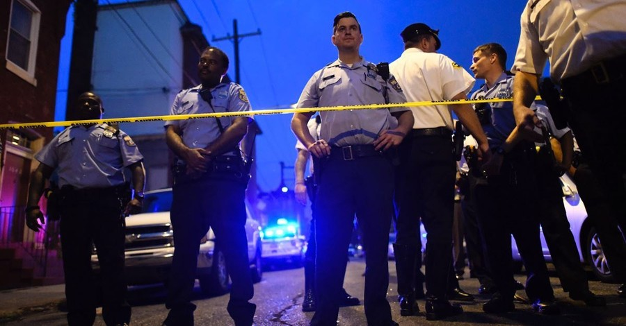 Six Police Officers Are Shot in Eight-Hour Standoff with Gunman in Philadelphia