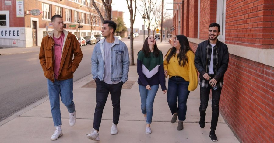 58 Percent of Evangelical Teens in Public Schools Regularly Discuss Faith