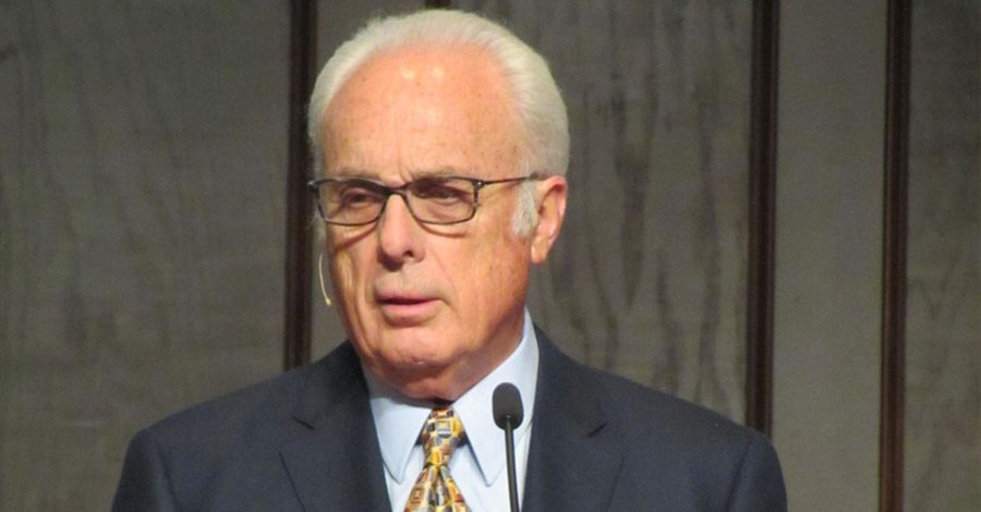 John MacArthur Tells Beth Moore to 'Go Home,' Says Bible Does Not Support Woman Preachers