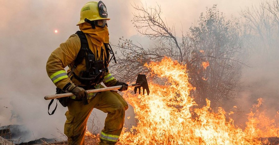In Northern California, Churches Step Up to Shelter Fire Evacuees