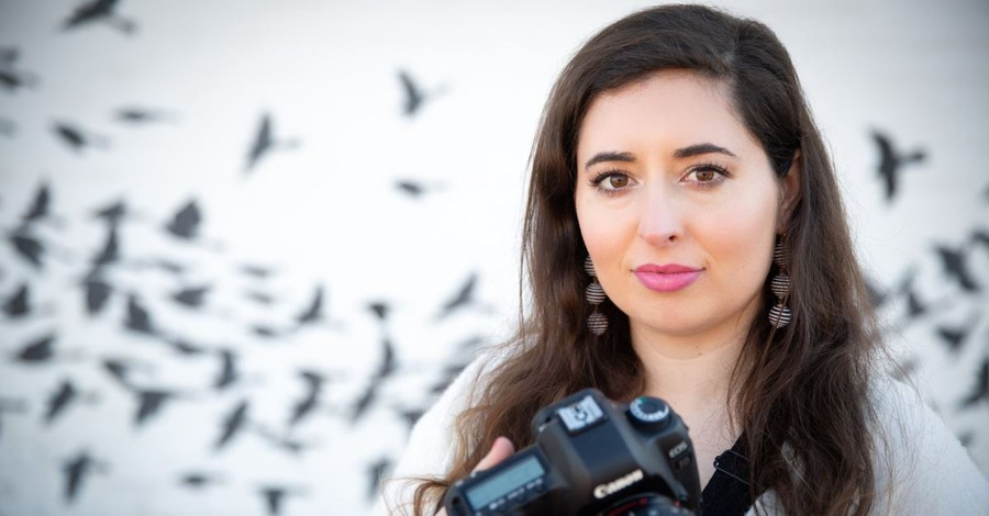 Christian Photographer Fights Law that Could Force Her to Promote Same-Sex Weddings
