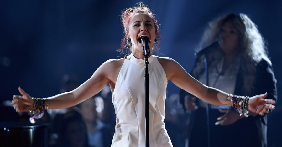Lauren Daigle Takes Home American Music Award for Favorite Artist—Contemporary/Inspirational