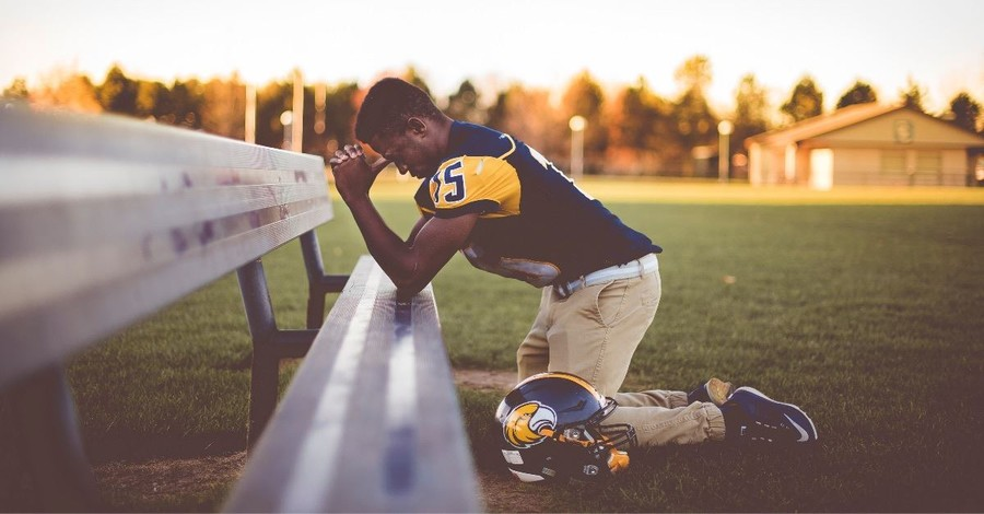 Atheist Group: Football Coach's Prayer Is 'Serious Violation' of Constitution