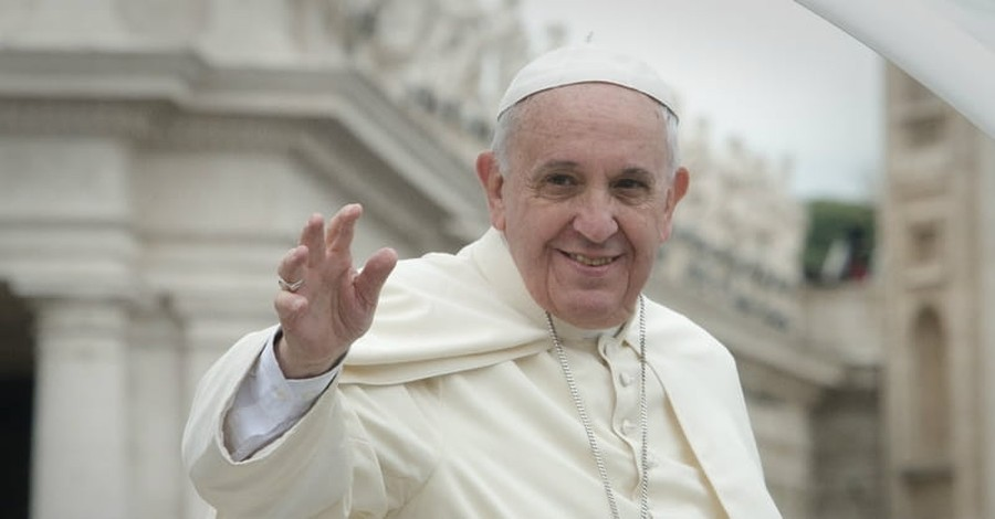 Pope Francis' Statement on Apologizing to Gay Community Causes Confusion