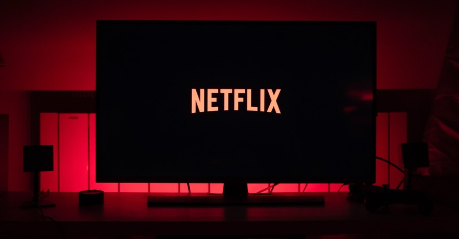 Netflix Loses 2.5 Million Subscribers over <em>Cuties</em>
