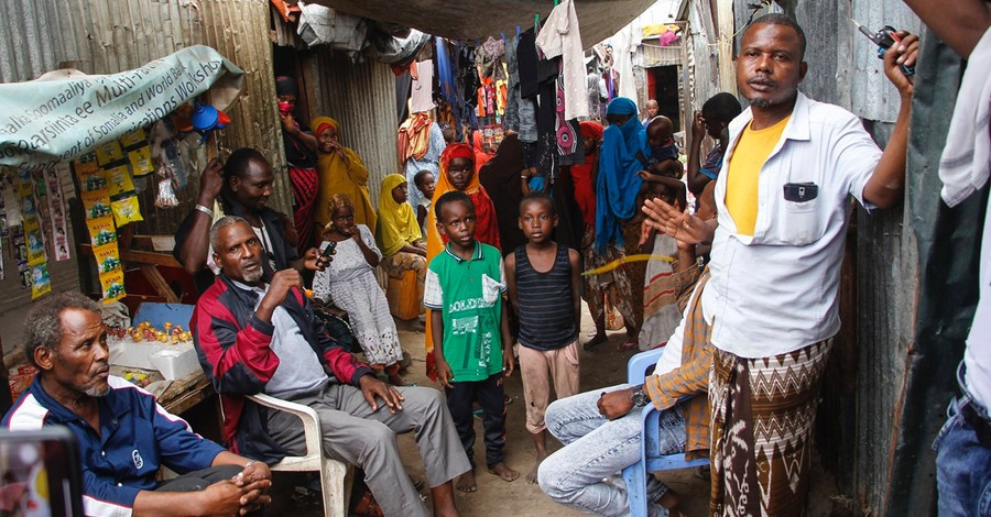 Refugees, Pope Francis and the Vatican commit to aiding internally displaced people