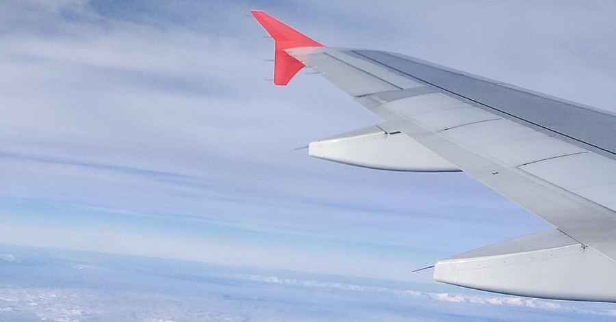 Plane over Bali, Missionary dies in plane crash