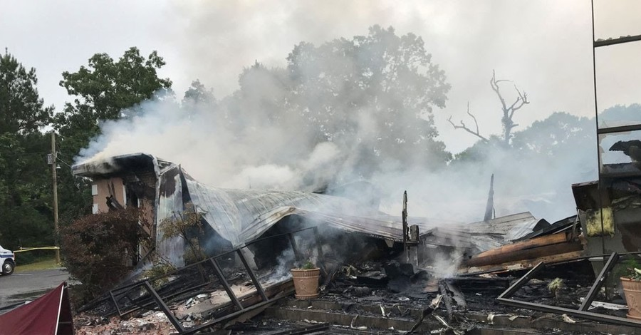 Burned down church, Church in Mississippi is burned to the ground