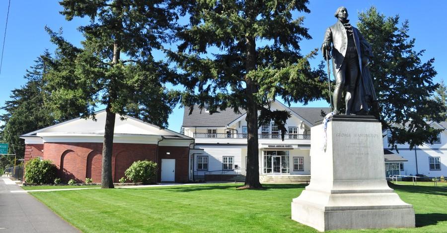 George Washington, Protestors topple statues