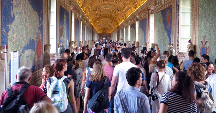 The Vatican in 2017, Vatican to consider new guidelines to prevent overcrowding