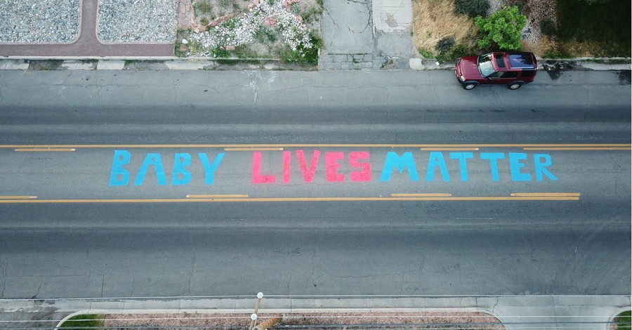 Baby Lives Matter mural, Activists paints Baby Lives Matter mural outside of a Planned Parenthood clinic