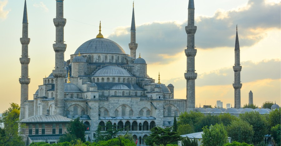 Turkey, Foreign Christians are being deported and banned from Turkey
