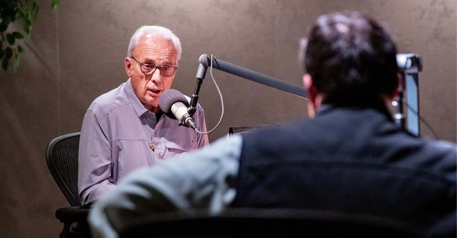 John MacArthur, MacArthur could face fines or be arrested for holding in-person church services