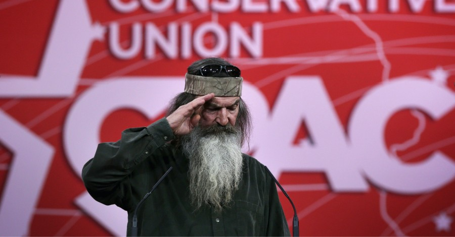 Phil Robertson, Robertson says he points Donald Trump to Jesus