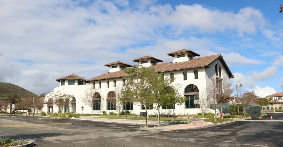 Godspeak Calvary Chapel Thousand Oaks Church, California judge asks for a church and its pastor to be held in contempt