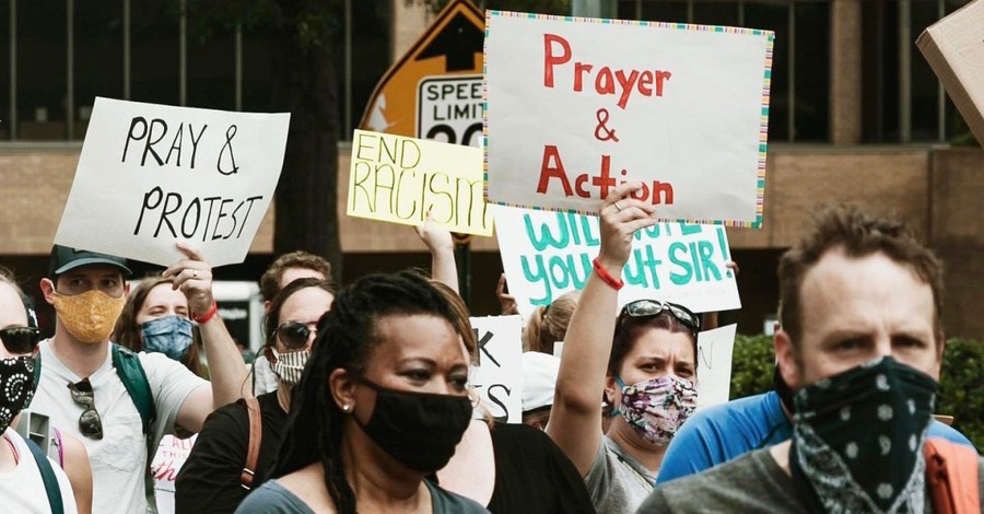 Christians protesting for racial justice, bipartisan group of Christians launch police reform initiative