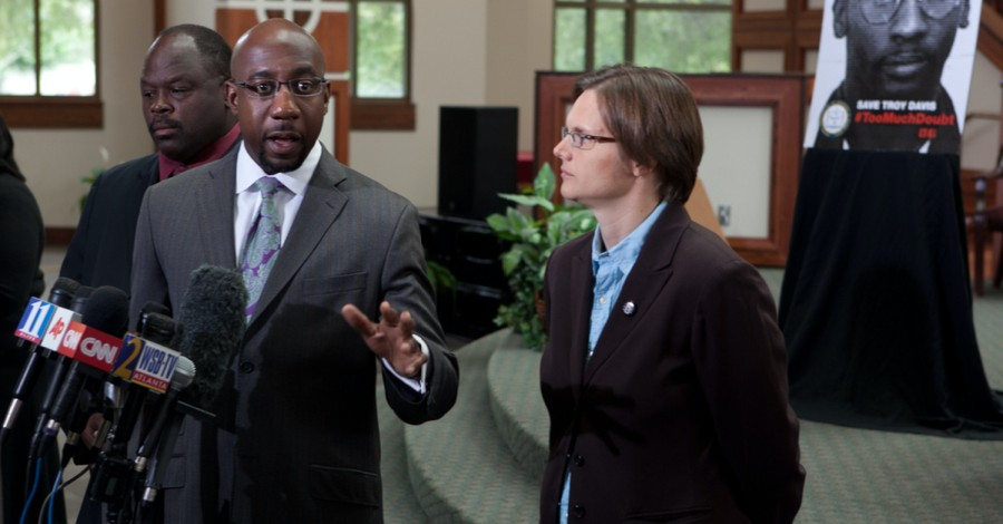 Raphael Warnock, Warnock says abortion aligns with Christianity