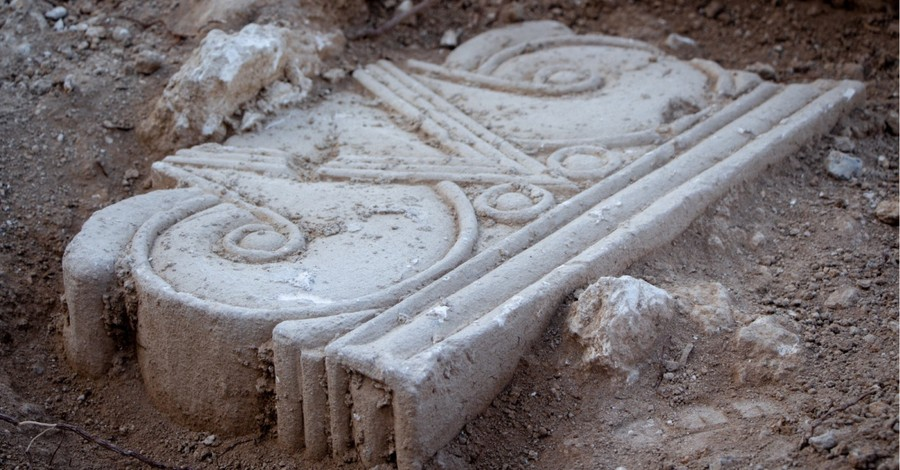 Ancient columns unearthed in Israel, ancient columns are unearthed in Israel